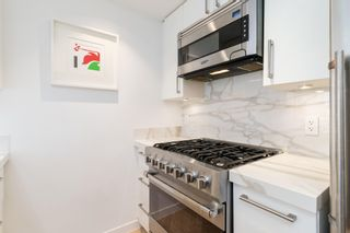 """Photo 17: 501 1708 COLUMBIA Street in Vancouver: False Creek Condo for sale in """"WALL CENTRE FALSE CREEK"""" (Vancouver West)  : MLS®# R2603692"""