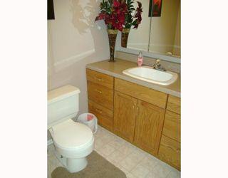 Photo 9: 330 QUEEN Street in WINNIPEG: St James Residential for sale (West Winnipeg)  : MLS®# 2814466