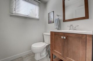 Photo 16: 2956 LATHOM Crescent SW in Calgary: Lakeview Detached for sale : MLS®# C4263838