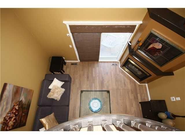 Photo 15: Photos: 1425 1 Street NE in CALGARY: Crescent Heights Townhouse for sale (Calgary)  : MLS®# C3550740