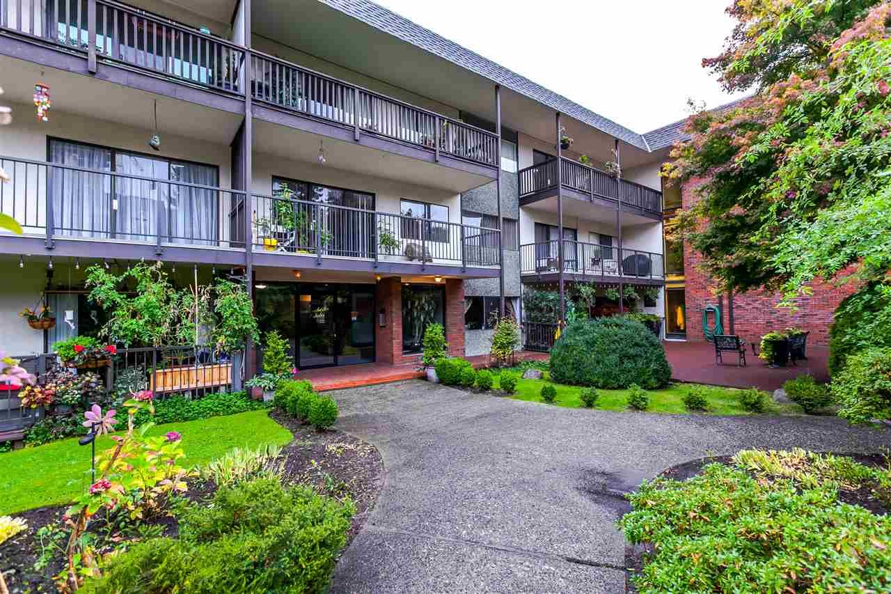 """Main Photo: 206 155 E 5TH Street in North Vancouver: Lower Lonsdale Condo for sale in """"Winchester Estates"""" : MLS®# R2215046"""