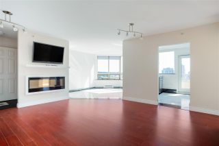 """Photo 2: 703 328 CLARKSON Street in New Westminster: Downtown NW Condo for sale in """"Highbourne Tower"""" : MLS®# R2585007"""