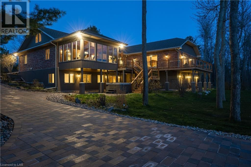 Main Photo: 64 BIG SOUND Road in Nobel: House for sale : MLS®# 40116563
