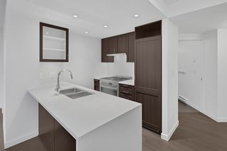 """Photo 8: 1005 5470 ORMIDALE Street in Vancouver: Collingwood VE Condo for sale in """"Wall Centre Central Park"""" (Vancouver East)  : MLS®# R2426749"""