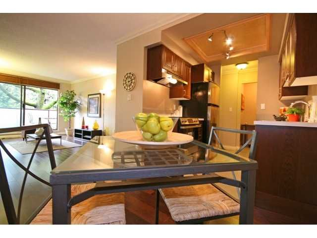 """Photo 3: Photos: 105 2150 BRUNSWICK Street in Vancouver: Mount Pleasant VE Condo for sale in """"MOUNT PLEASANT PLACE"""" (Vancouver East)  : MLS®# V884597"""