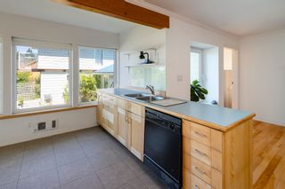 """Photo 13: 1540 WHITE SAILS Drive: Bowen Island House for sale in """"Tunstall Bay"""" : MLS®# R2613126"""