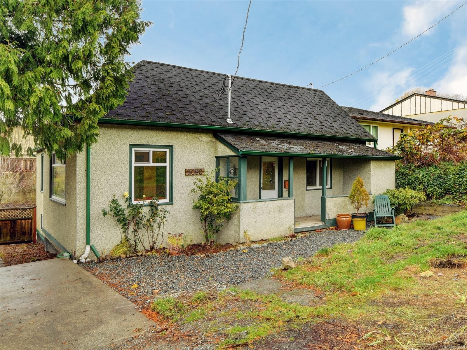Main Photo: 3060 Albina St in Saanich: SW Gorge House for sale (Saanich West)  : MLS®# 860650