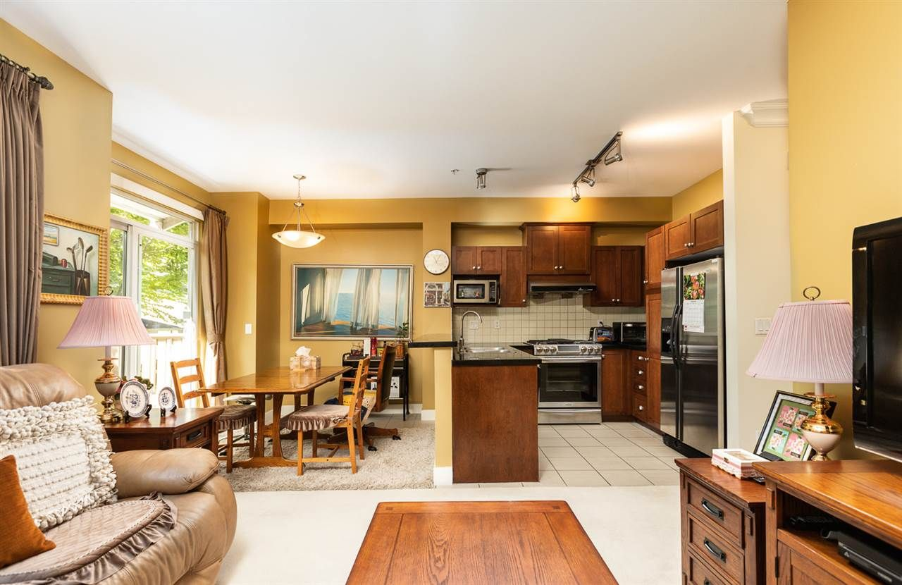"""Photo 6: Photos: 971 WESTBURY Walk in Vancouver: South Cambie Townhouse for sale in """"Churchill Gardens"""" (Vancouver West)  : MLS®# R2488294"""