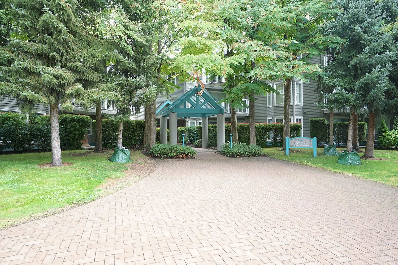"""Main Photo: 116 15150 108 Avenue in Surrey: Guildford Condo for sale in """"Riverpointe"""" (North Surrey)  : MLS®# R2613735"""