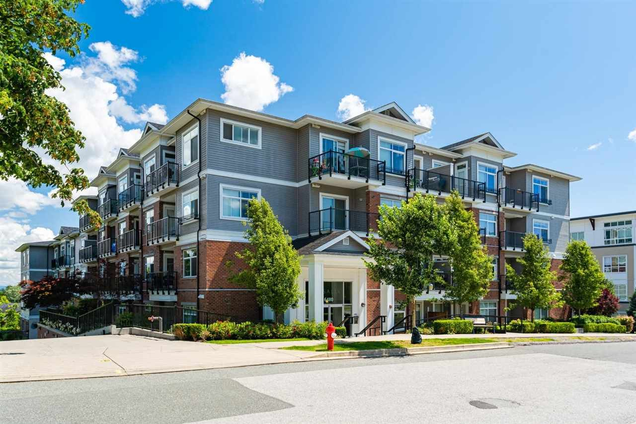 Main Photo: 301 6480 195A STREET in Surrey: Clayton Condo for sale (Cloverdale)  : MLS®# R2480232