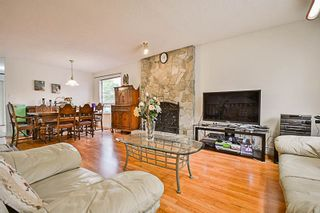 """Photo 4: 15069 98 Avenue in Surrey: Guildford House for sale in """"GUILDFORD / BONNACCORD"""" (North Surrey)  : MLS®# R2190173"""