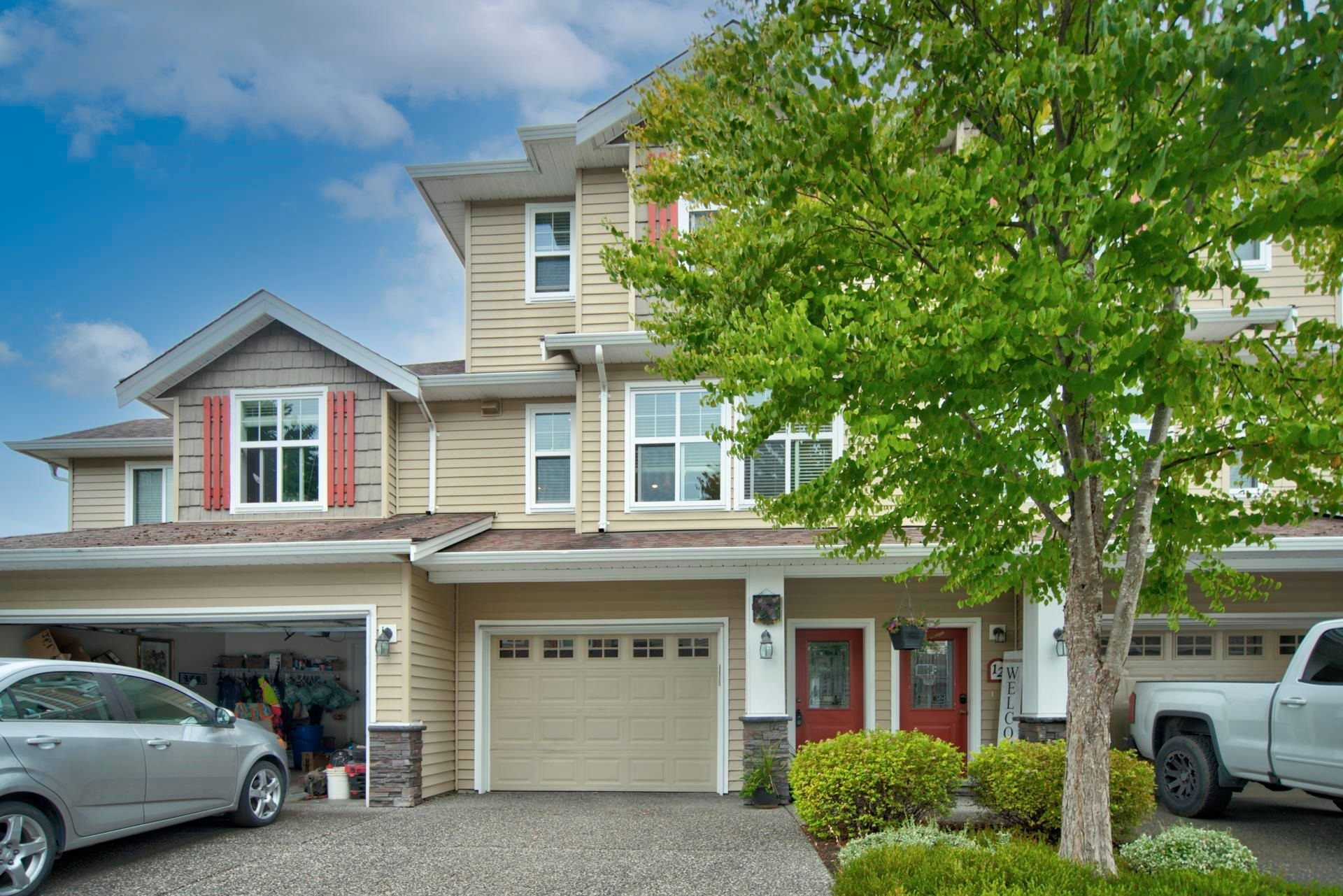 """Main Photo: 11 45152 WELLS Road in Chilliwack: Sardis West Vedder Rd Townhouse for sale in """"MAYBERRY LAND"""" (Sardis)  : MLS®# R2614722"""