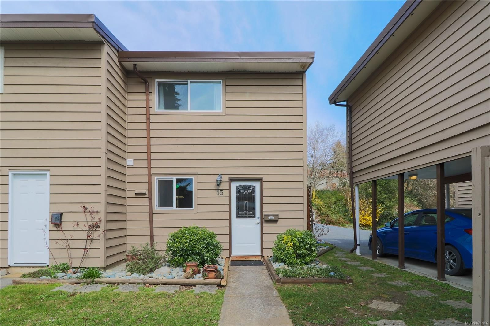 Main Photo: 15 25 Pryde Ave in : Na Central Nanaimo Row/Townhouse for sale (Nanaimo)  : MLS®# 871146