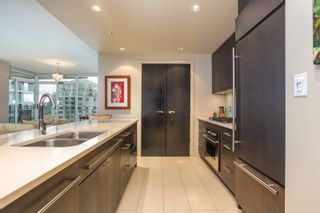 """Photo 7: 1504 1455 HOWE Street in Vancouver: Yaletown Condo for sale in """"POMARIA"""" (Vancouver West)  : MLS®# R2387626"""