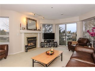 """Photo 5: 207 5419 201A Street in Langley: Langley City Condo for sale in """"Vista Gardens"""" : MLS®# F1401974"""