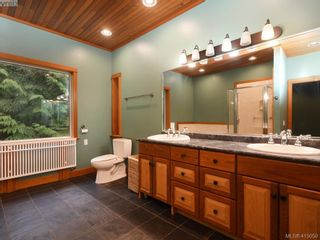 Photo 13: 922 Latoria Rd in VICTORIA: La Olympic View House for sale (Langford)  : MLS®# 823332