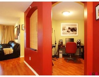 Photo 7: #312 19750 64th Ave in Langley: Condo for sale : MLS®# F2800657
