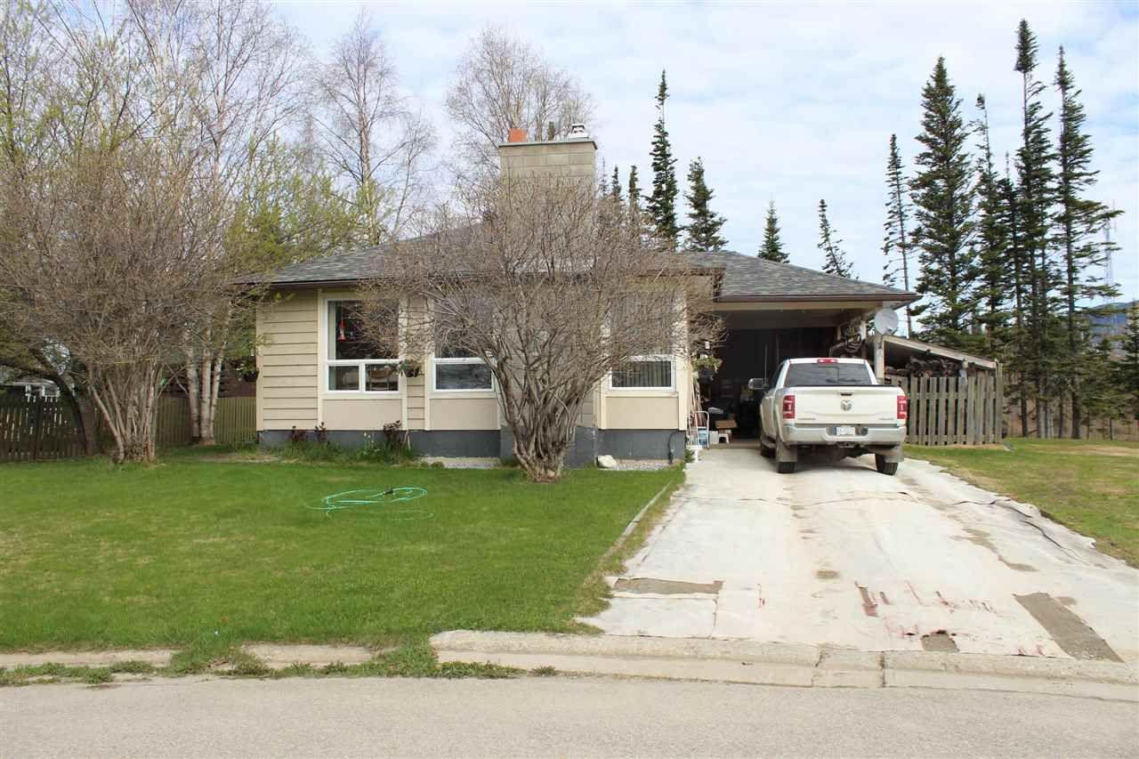 Main Photo: 23 PINE Crescent in Mackenzie: Mackenzie -Town House for sale (Mackenzie (Zone 69))  : MLS®# R2537848