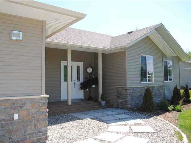 Main Photo: 504 COPPER RIDGE ROAD in : Quesnel Rural - South House for sale : MLS®# N198738