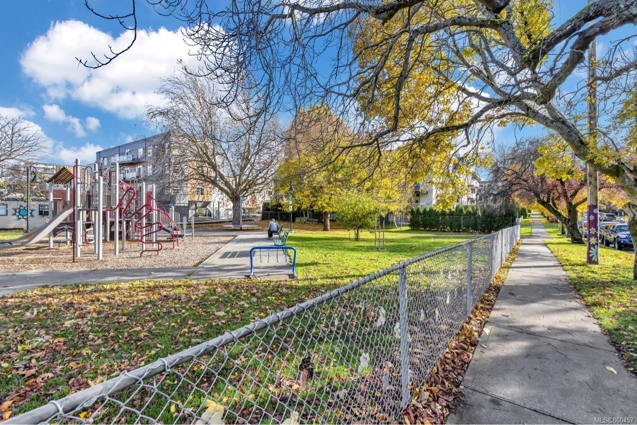 Photo 31: Photos: 105 2529 Wark St in : Vi Hillside Condo for sale (Victoria)  : MLS®# 860457