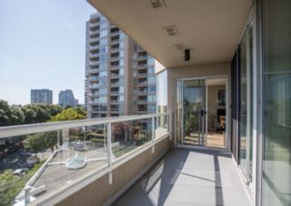 "Photo 15: 404 1045 QUAYSIDE Drive in New Westminster: Quay Condo for sale in ""Quayside Tower I"" : MLS®# R2529846"