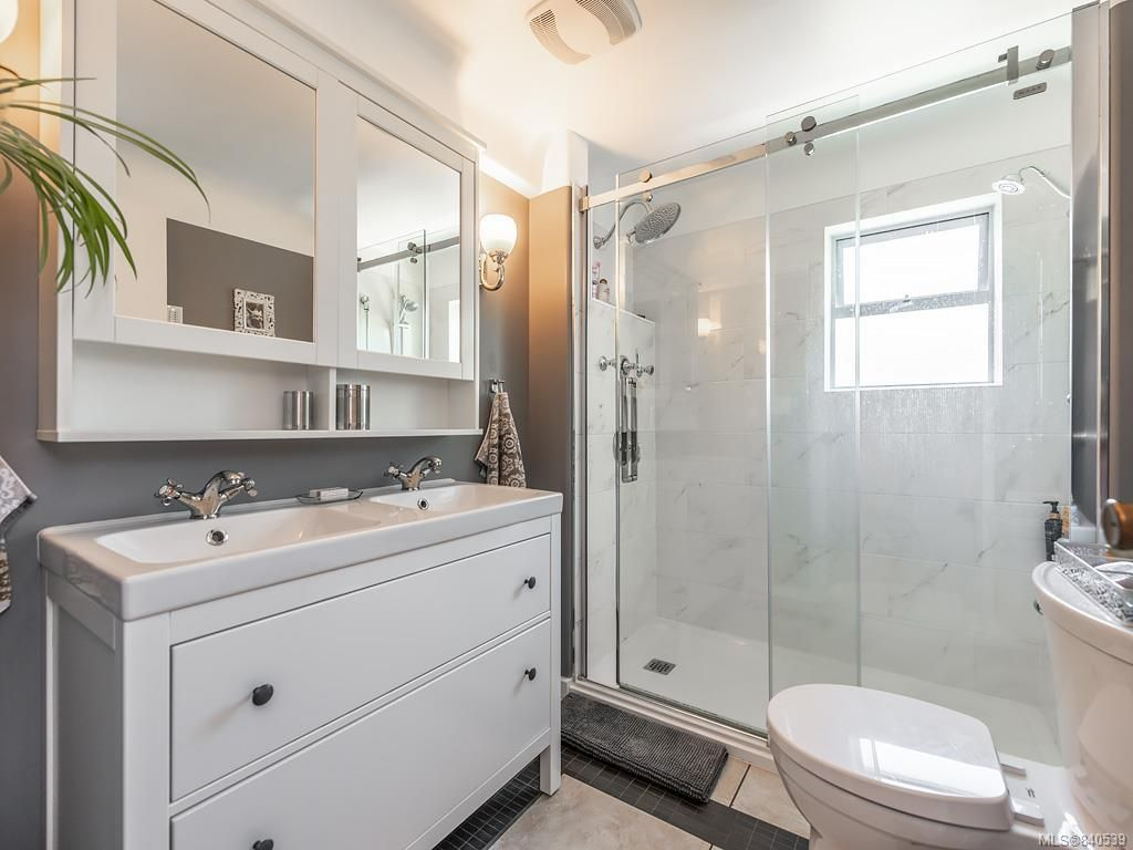 Photo 12: Photos: 2232 Cranmore Rd in Oak Bay: OB North Oak Bay House for sale : MLS®# 840539