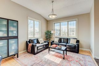 Photo 4: 604 Tuscany Springs Boulevard NW in Calgary: Tuscany Detached for sale : MLS®# A1085390