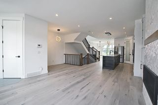 Photo 15: 434 18 Avenue NE in Calgary: Winston Heights/Mountview Semi Detached for sale : MLS®# A1132922