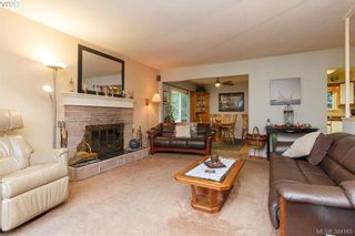 Photo 4: 2811 Ronald Rd in VICTORIA: La Glen Lake House for sale (Langford)  : MLS®# 772116