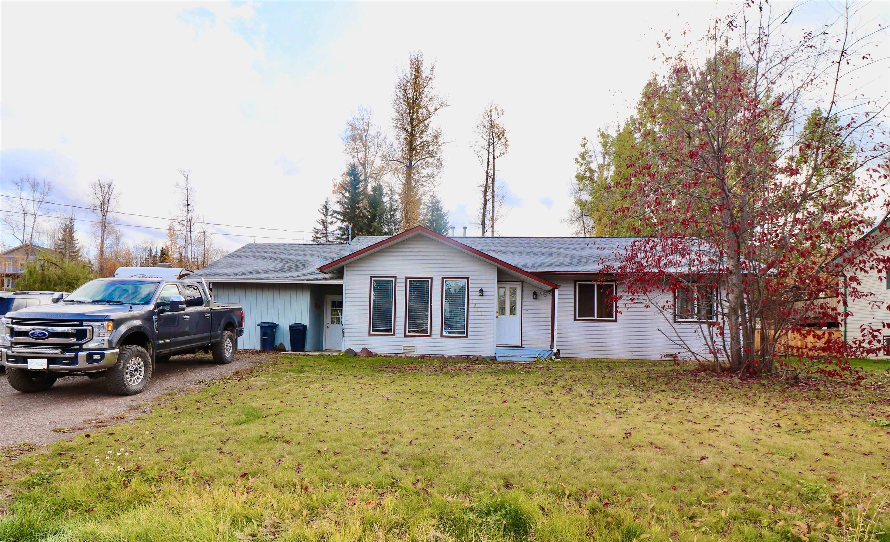 Main Photo: 1527 WILLOW Street: Telkwa House for sale (Smithers And Area (Zone 54))  : MLS®# R2625958