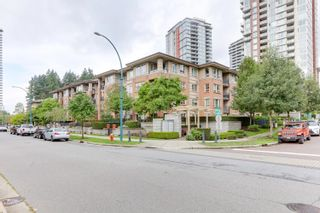 """Photo 2: 412 3097 LINCOLN Avenue in Coquitlam: New Horizons Condo for sale in """"LARKIN HOUSE"""" : MLS®# R2622178"""
