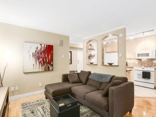 Photo 4: 208 1345 COMOX Street in Vancouver: West End VW Condo for sale (Vancouver West)  : MLS®# R2156986