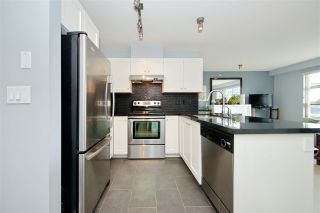 """Photo 3: 417 738 E 29TH Avenue in Vancouver: Fraser VE Condo for sale in """"CENTURY"""" (Vancouver East)  : MLS®# R2462808"""