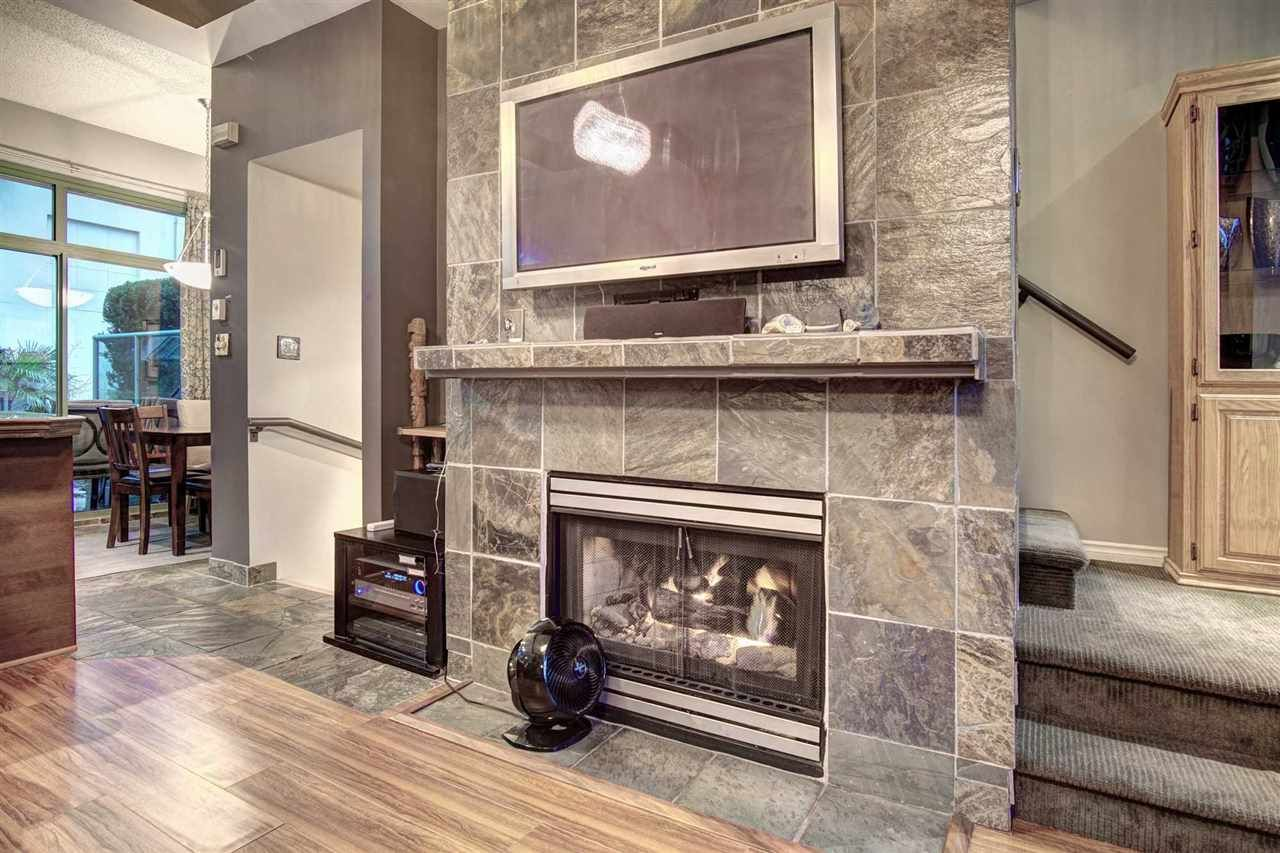 """Main Photo: 1487 HORNBY Street in Vancouver: Yaletown Townhouse for sale in """"CORAL COURT"""" (Vancouver West)  : MLS®# R2457341"""