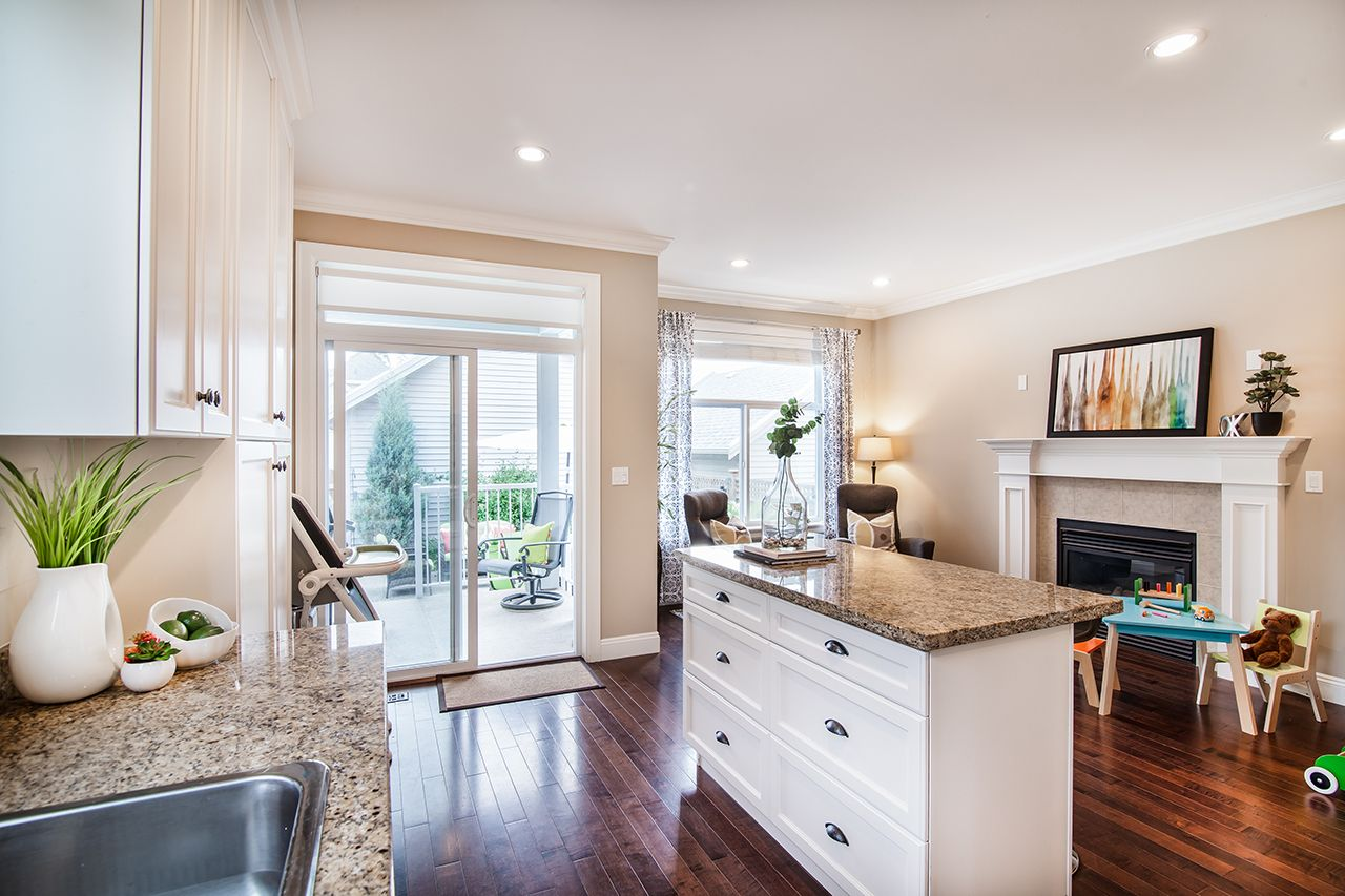 """Photo 11: Photos: 2907 152A Street in Surrey: King George Corridor House for sale in """"SOUTHPOINT ESTATES"""" (South Surrey White Rock)  : MLS®# R2278623"""