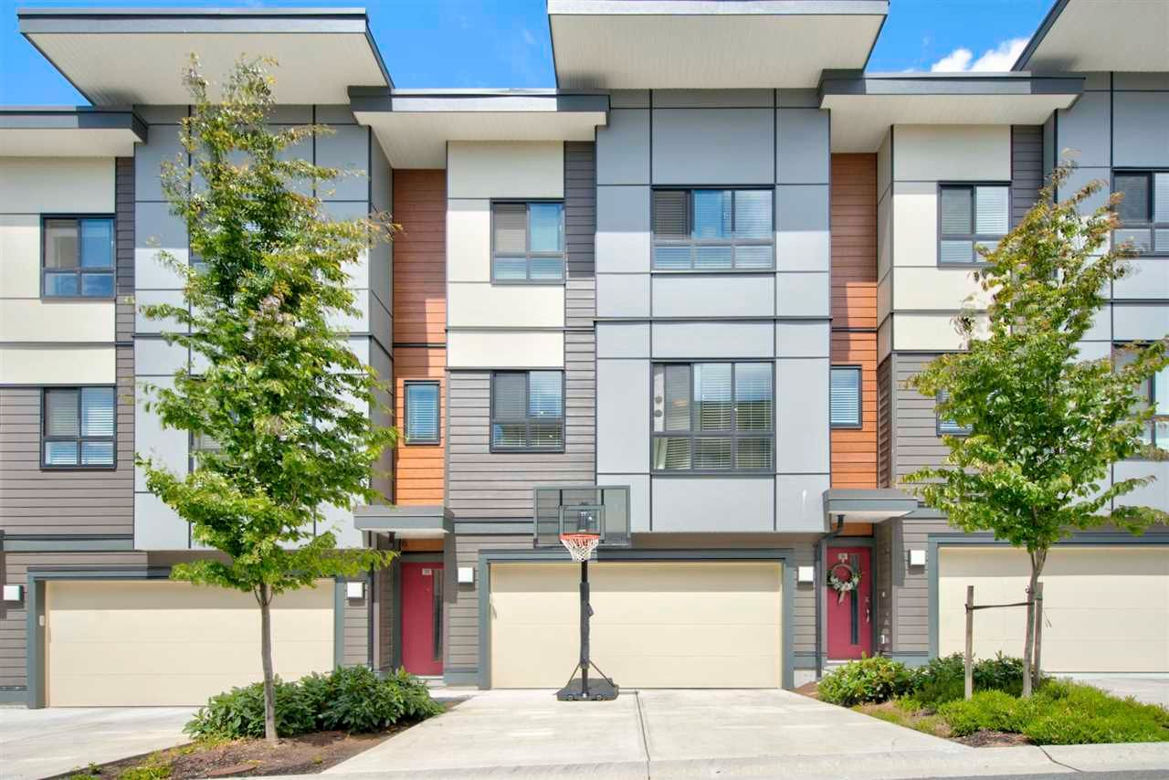 Main Photo: 20 1938 NORTH PARALLEL Road in Abbotsford: Abbotsford East Townhouse for sale : MLS®# R2590370