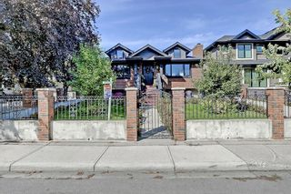 Photo 1: 2012 56 Avenue SW in Calgary: North Glenmore Park Detached for sale : MLS®# C4204364