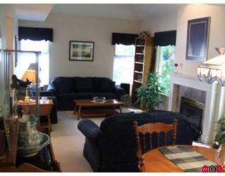 "Photo 2: 33 9036 208TH Street in Langley: Walnut Grove Townhouse for sale in ""Hunters Glen"" : MLS®# F2714166"