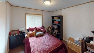 Photo 12: B7-920 Whittaker Road  |  Mobile Home For Sale