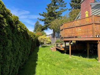 """Photo 12: 1066 CYPRESS Street: White Rock House for sale in """"Hillside"""" (South Surrey White Rock)  : MLS®# R2579690"""