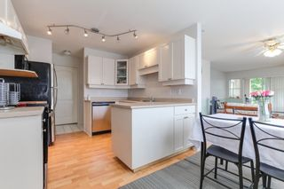 """Photo 11: 301 22722 LOUGHEED Highway in Maple Ridge: East Central Condo for sale in """"Marks Place"""" : MLS®# R2381095"""