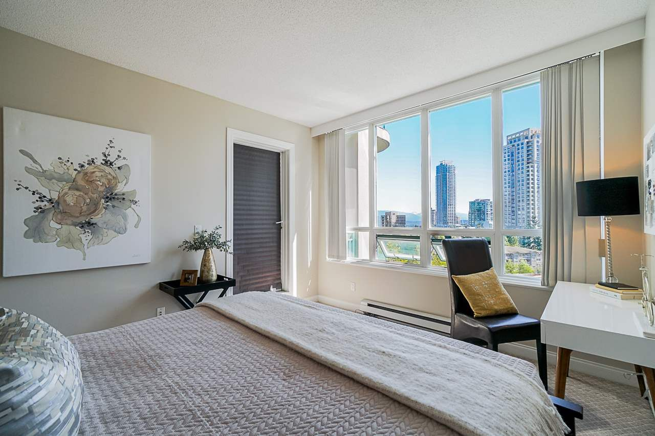 """Main Photo: 10E 6128 PATTERSON Avenue in Burnaby: Metrotown Condo for sale in """"Grand Central Park Place"""" (Burnaby South)  : MLS®# R2454140"""