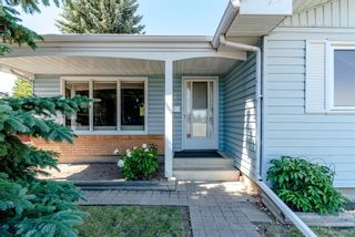 Photo 3: 744 Mapleton Drive SE in Calgary: Maple Ridge Detached for sale : MLS®# A1125027