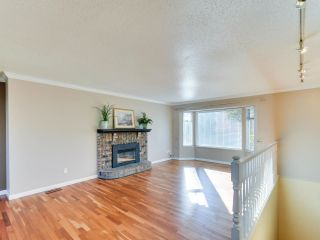Photo 2: 9109 212A Place in Langley: Walnut Grove House for sale : MLS®# R2316767