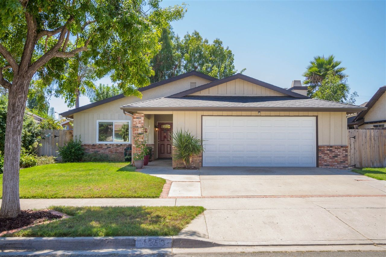 Main Photo: EAST SAN DIEGO House for sale : 3 bedrooms : 1253 Armstrong Circle in Escondido