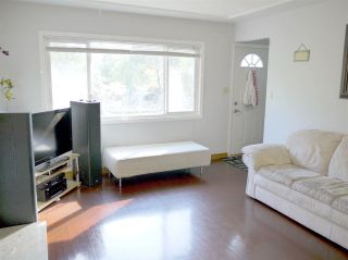 "Photo 2: 5267 HOY Street in Vancouver: Collingwood VE House for sale in ""COLLINGWOOD"" (Vancouver East)  : MLS®# R2542191"