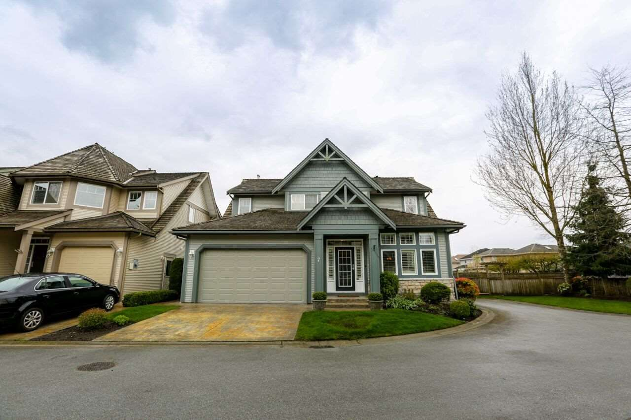 """Main Photo: 7 6177 169 Street in Surrey: Cloverdale BC Townhouse for sale in """"NORTHVIEW WALK"""" (Cloverdale)  : MLS®# R2256305"""