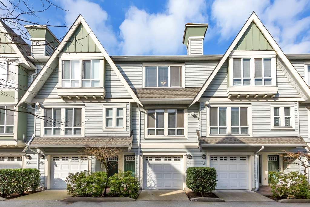 """Main Photo: 31 16388 85 Avenue in Surrey: Fleetwood Tynehead Townhouse for sale in """"THE CAMELOT"""" : MLS®# R2552573"""