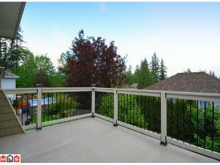 """Photo 9: 10556 SUMAC Place in Surrey: Fraser Heights House for sale in """"Glenwood Estates"""" (North Surrey)  : MLS®# F1012253"""
