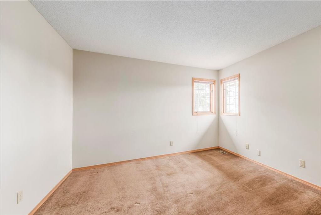 Photo 24: Photos: 2603 SIGNAL RIDGE View SW in Calgary: Signal Hill House for sale : MLS®# C4177922